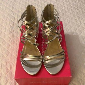 Shoe Dazzle Silver Sandals 8.5